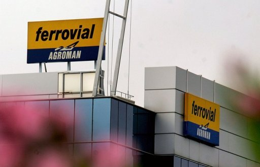 <p>Spanish construction group Ferrovial said Wednesday it had agreed to sell a stake in London's Heathrow airport to Chinese firm CIC International.</p>