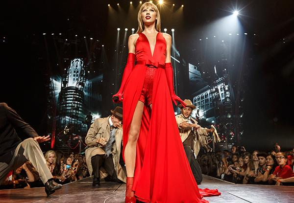 Taylor Swift, Kenny Chesney Top Billboard's Money-Maker List