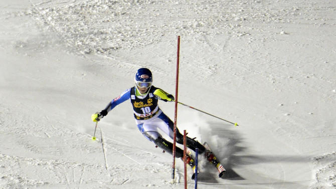 Mikaela Shiffrin, of the United States, skis on her way to win an alpine ski, women's World Cup slalom, in Are, Sweden, Thursday, Dec. 20, 2012.  (AP Photo/Giovanni Auletta)