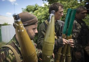 Pro-Russian separatists hold rocket-propelled grenade …