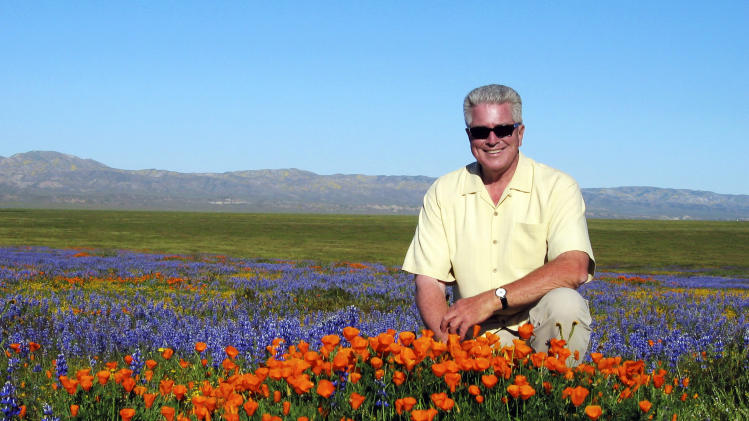 'California's Gold' host Huell Howser dies at 67
