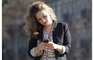 10 Amazingly Dumb Things We Do with Smartphones