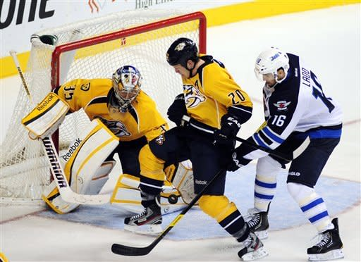 Rinne makes 24 saves in Preds' 3-1 win over Jets