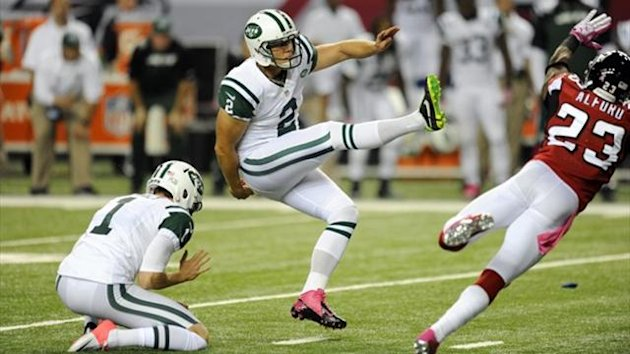 New York Jets place kicker Nick Folk (2) kicks the game winning field goal against the Atlanta Falcons during the fourth quarter at the Georgia Dome (Reuters)