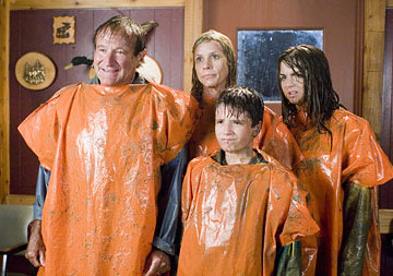 Robin Williams , Cheryl Hines , Josh Hutcherson and Joanna Levesque in Columbia's R.V.