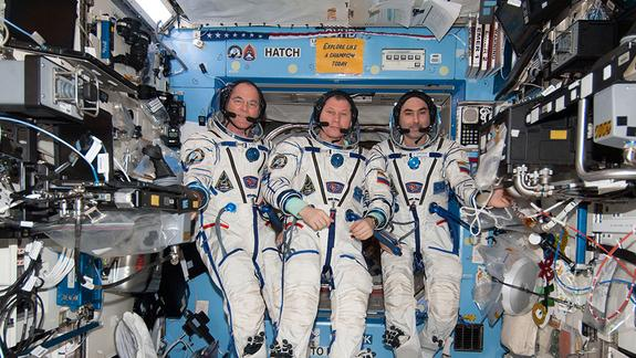 Space Station Crew's Landing Delayed by 'Horrible' Earth Weather