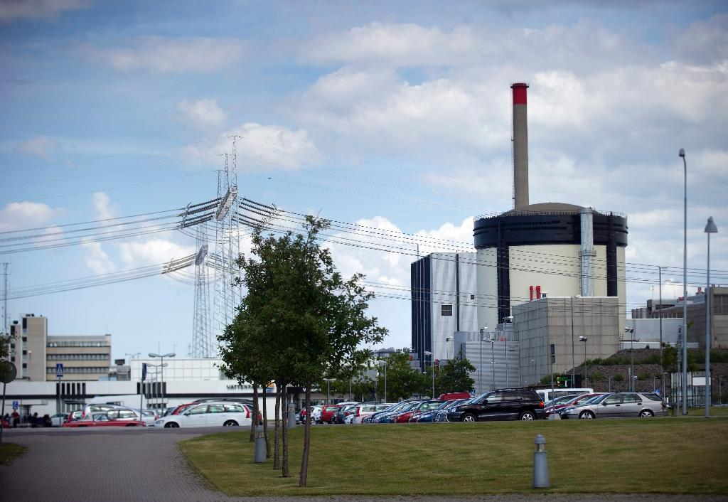 Sweden speeds up closure of two nuclear reactors