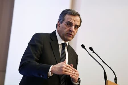 Greek PM Samaras falls short in first round presidential vote