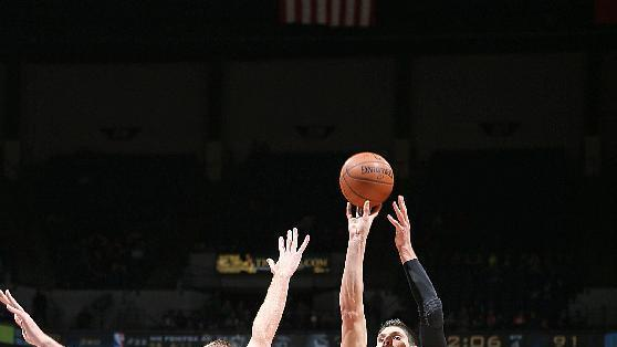 Vucevic's career-high 37 power Magic over Wolves 97-84