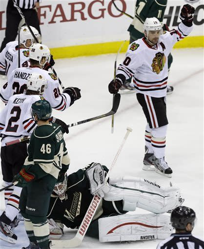 Sharp gets 2 goals, Blackhawks top Wild 3-0