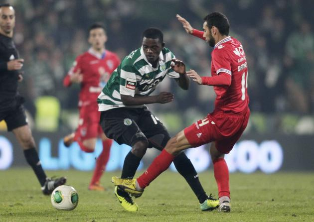Gil Vicente's Danielson fights for the ball with Sporting Lisbon's William during their Portuguese Premier League soccer match at the Municipal stadium in Barcelos
