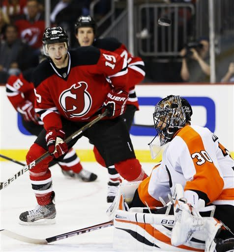 Broduer earns 120th shutout as Devils top Flyers