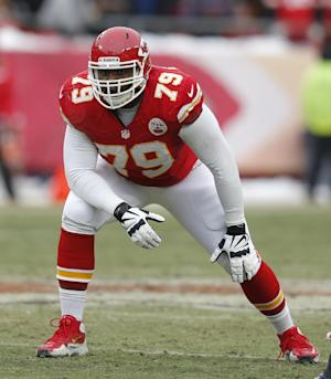 Chiefs OT Stephenson suspended for PEDs violation