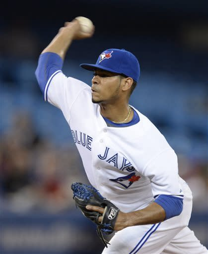 Encarnacion hits key double, Blue Jays top Rangers