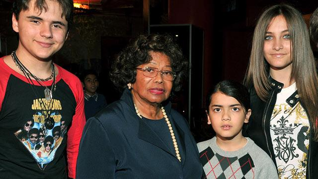 Michael Jackson's Mother and Children Attend Jackson Brothers' Concert