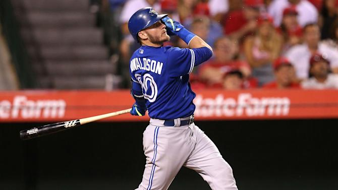 Donaldson signs new Blue Jays deal, avoids arbitration