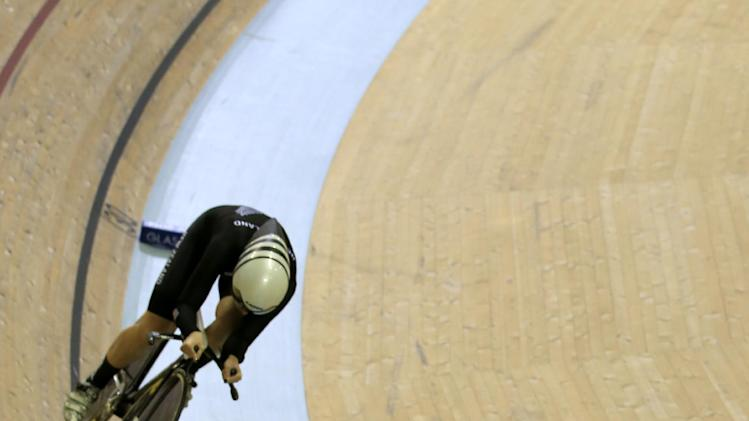 England's Joanna Rowsell (front) and New Zealand's Lauren Ellis compete in the women's 3000m individual pursuit in the Sir Chris Hoy Velodrome during the Commonwealth Games in Glasgow, on July 25, 2014