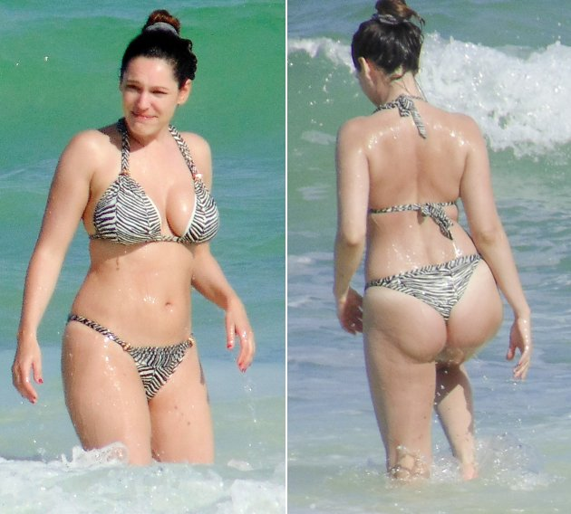 Kelly Brook im Bikini beim Baden in Mexiko