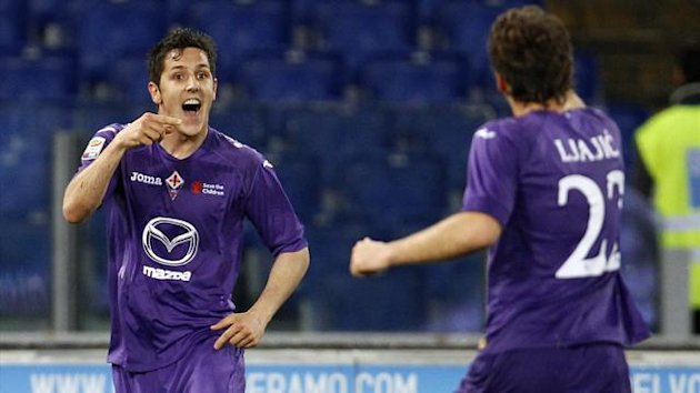Fiorentina's Stevan Jovetic (L) celebrates with his teammate Adem Ljajic after scoring against Lazio (Reuters)
