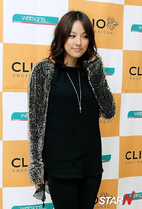 Lee Hyo Ri repents buying too many clothes