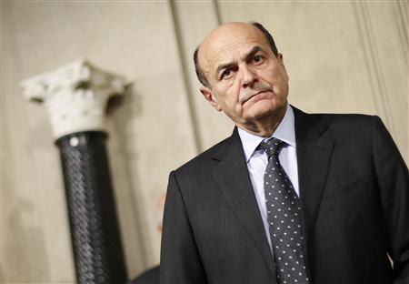 Italy's PD (Democratic Party) leader Pierluigi Bersani looks on during a news conference following a meeting with Italian President Giorgio Napolitano at the Quirinale Presidential palace in Rome March 22, 2013. REUTERS/Max Rossi