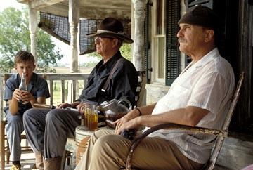 Haley Joel Osment , Michael Caine and Robert Duvall in New Line's Secondhand Lions