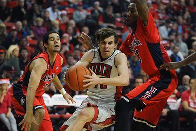 UNLV vs. Arizona final score: The Wildcats undefeated season ends in Las Vegas