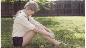 Taylor Swift Offers Relationship Advice in 'Seventeen' Magazine Column