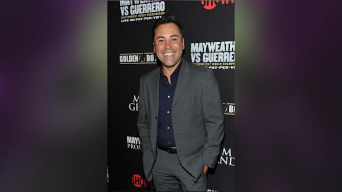Oscar De La Hoya: I 'Greatly Appreciated' Floyd Mayweather's Apology