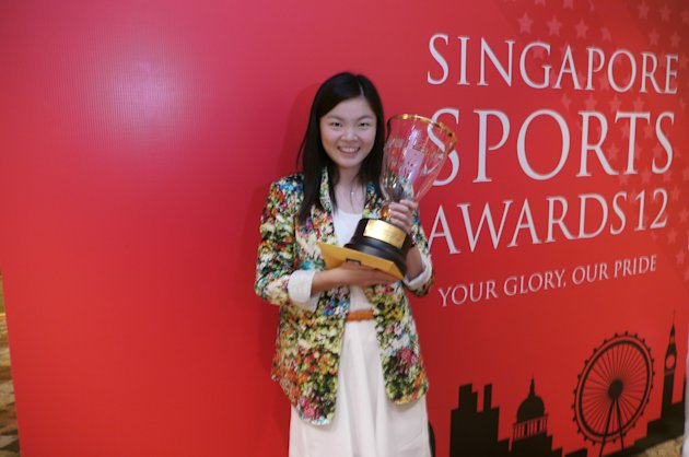 Fu Mingtian lands the Sportswoman of the Year award. (Yahoo! photo/Daniel Teo)