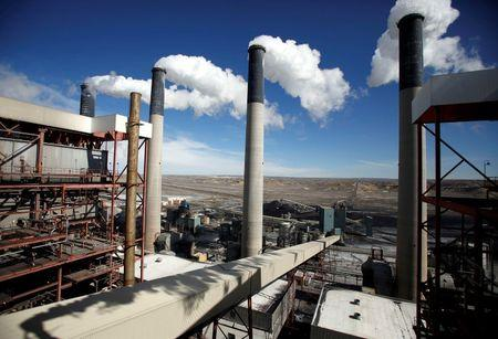 Supreme Court blocks Obama carbon emissions plan