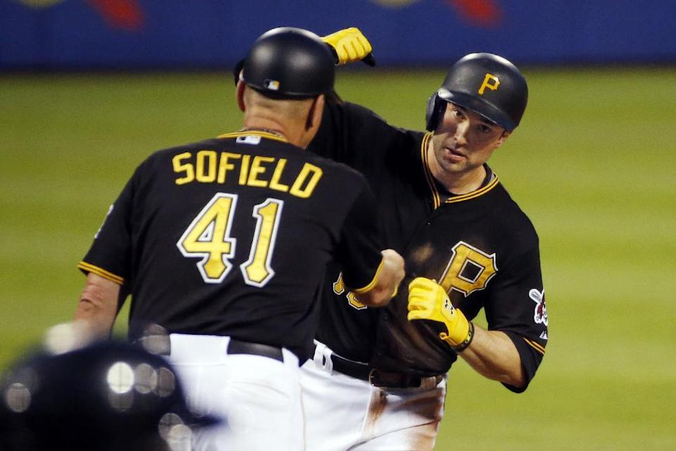 Pirates get to Scherzer, top Nationals 7-5