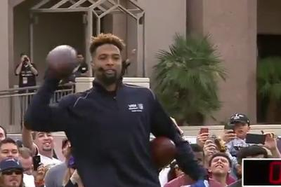 Odell Beckham Jr. sets 1-handed catch Guinness World Record with Drew Brees