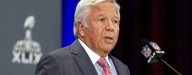 Kraft attacks NFL, apologizes to fans for actions