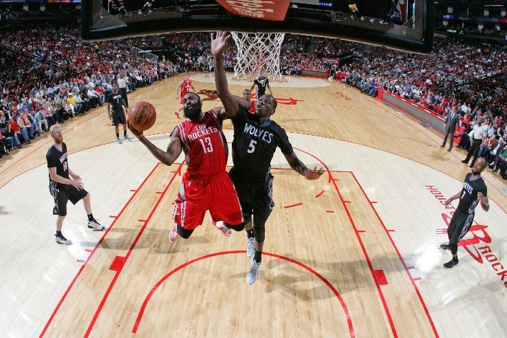 Harden scores 33 as Rockets beat Wolves, clinch playoff spot