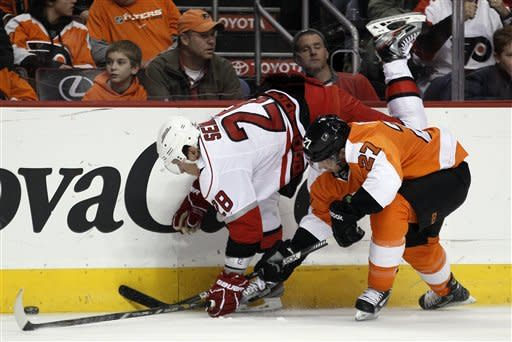 Flyers get 3 power-play goals, beat Hurricanes 5-3