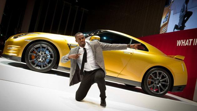 Photos: Usain Bolt gets a golden GT-R, and a title