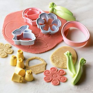 Williams-Sonoma Easter Cookie Decorating Kit