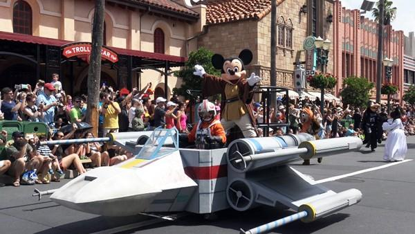 FORCE-Tastic Fun at Disney's Star Wars Weekends 2015