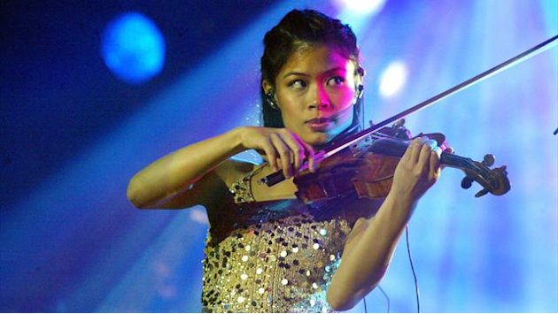 Alpine Skiing - Pop star violinist to ski in Olympics