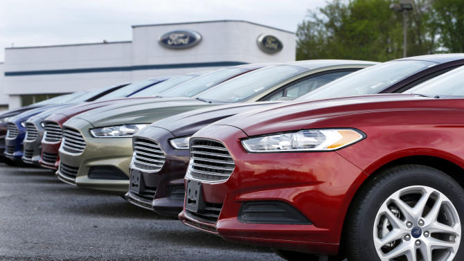 Washington budget fight hurts auto sales