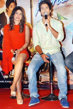 I can&amp;#39;t make her blush: Shahid