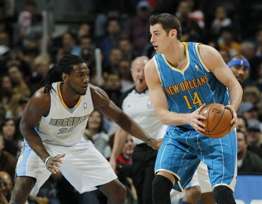 Lawson leads surging Nuggets past Hornets 113-98