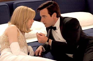 Renee Zellweger and Ewan McGregor in 20th Century Fox's Down With Love