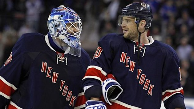 New York Rangers goalie Henrik Lundqvist (L) and right wing Marian Gaborik after defeating the Boston Bruins (Reuters)