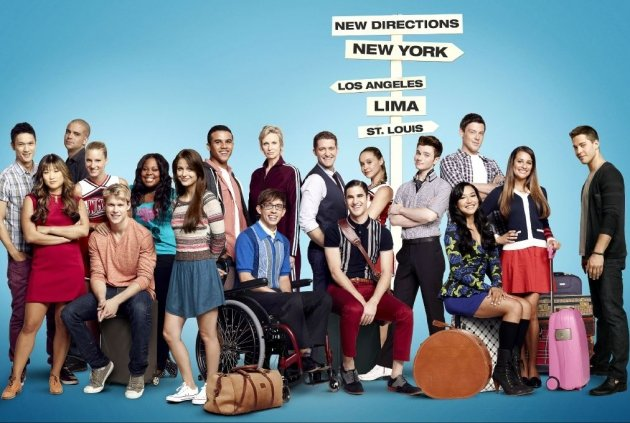 A cast shot for &#39;Glee&#39; Season 4 -- Ryan Murphy/FOX/Twitter