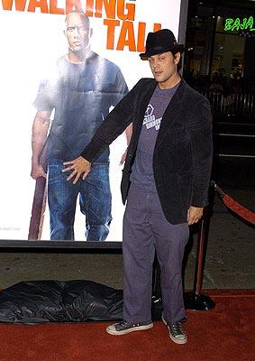 Johnny Knoxville at the LA premiere of MGM's Walking Tall