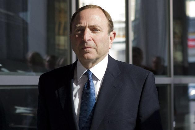 NHL Commissioner Gary Bettman arrives for negotiations with the NHL Players&#39;Association in Toronto Thursday, Oct. 18, 2012. The NHL Players&#39; Association confirmed it will make a new offer during negotiations on Thursday. On Tuesday, the NHL proposed a 50-50 hockey-related revenue split and an 82-game regular season. (AP Photo/The Canadian Press, Chris Young)