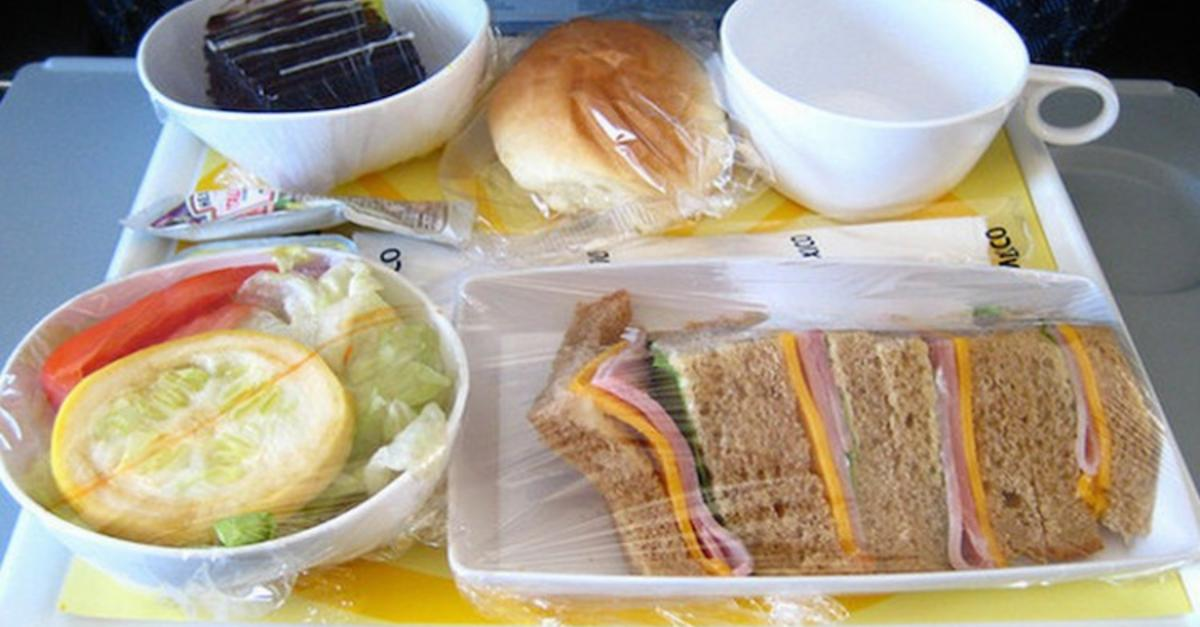17 Pictures Of Airline Food From Around The World