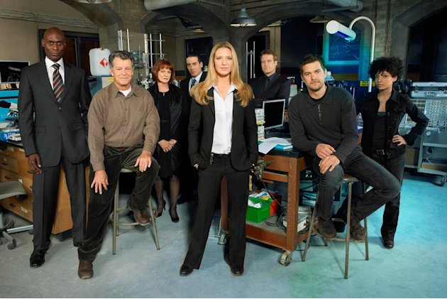 The cast of Fringe. Joshua Jackson 